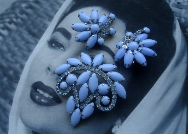 DeLizza and Elster a/k/a Juliana Cornflower Blue Cushion Navette Brooch and Climber Earring Demi Parure 1950's