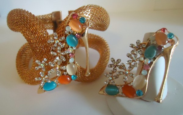 Cabochon and Rhinestone Stiletto Gold Tone Mesh Clamper Statement Bracelet - Ring Sold Separately