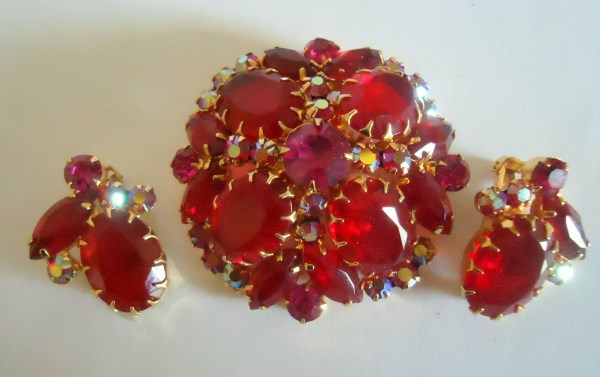 DeLizza and Elster a/k/a Juliana Multi Prong Siam Red Domed Brooch and Earring Demi Parure BOOK PIECE