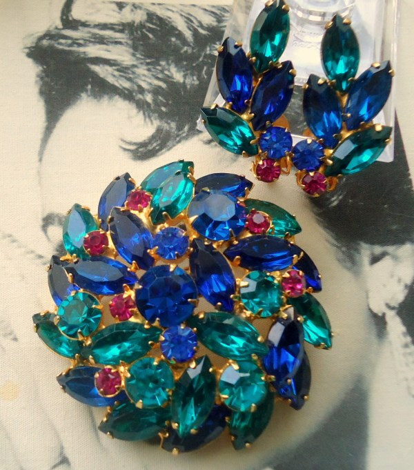 DeLizza and Elster a/k/a Juliana Large Round Domed Teal Brooch and Earring Demi Parure TEAL IS RARE