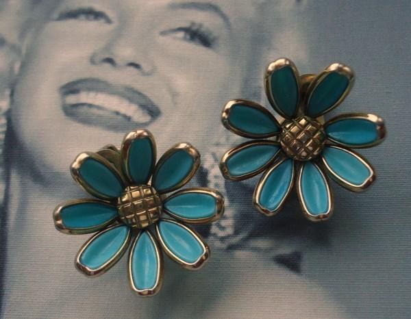 Trifari signed Alfred Phillipe 1950's Aqua Blue Poured Glass Daisy Earrings