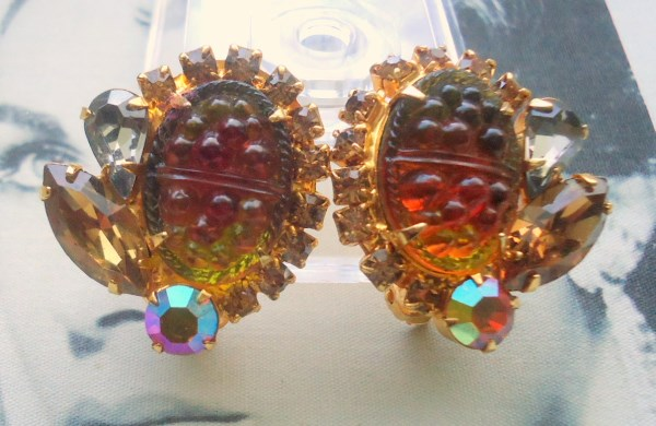 "DeLizza and Elster a/k/a Juliana Stippled Smooth ""Pineapple"" Art Glass Earrings (Book Piece)"