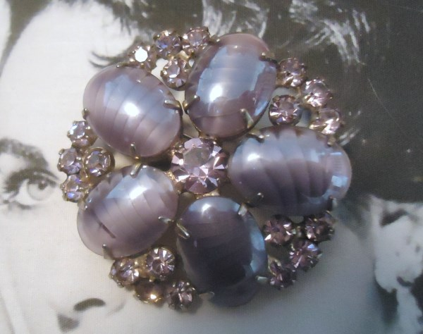 DeLizza and Elster a/k/a Juliana Opalescent Lavender Stripe Art Glass Brooch EXTREMELY RARE
