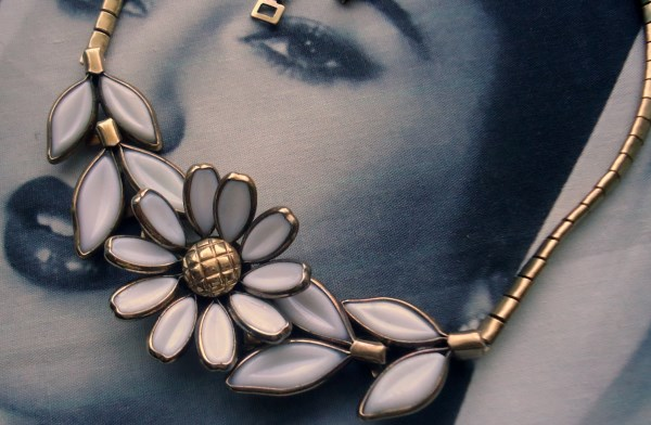 Trifari signed Alfred Phillipe White Poured Glass Daisy Flower Necklace Circa 1950 (molded glass)