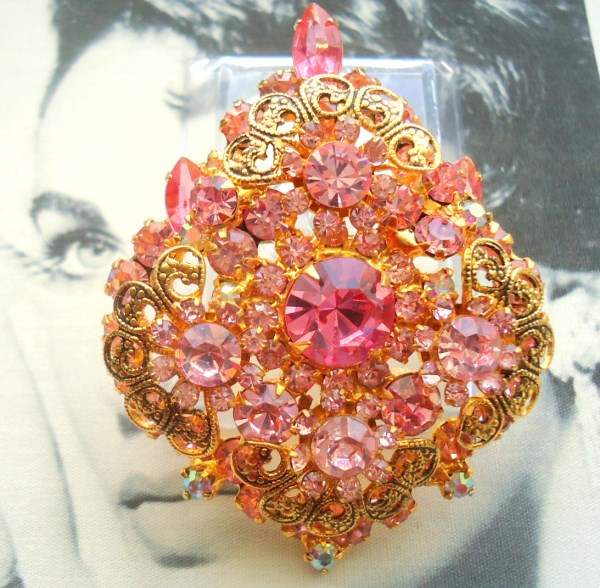 DeLizza and Elster a/k/a Juliana Cotton Candy Pink Antiqued Gold Scroll Work Tiered Brooch Pendant (RARE)