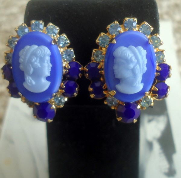 DeLizza and Elster a/k/a Juliana Blue Cameo Earrings Hard to Find