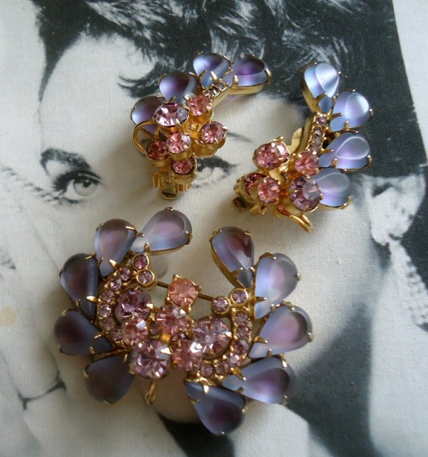 DeLizza and Elster a/k/a Juliana Open Back Pink and Lavender Sabrina Art Glass Brooch and Climber Earrings Demi Parure