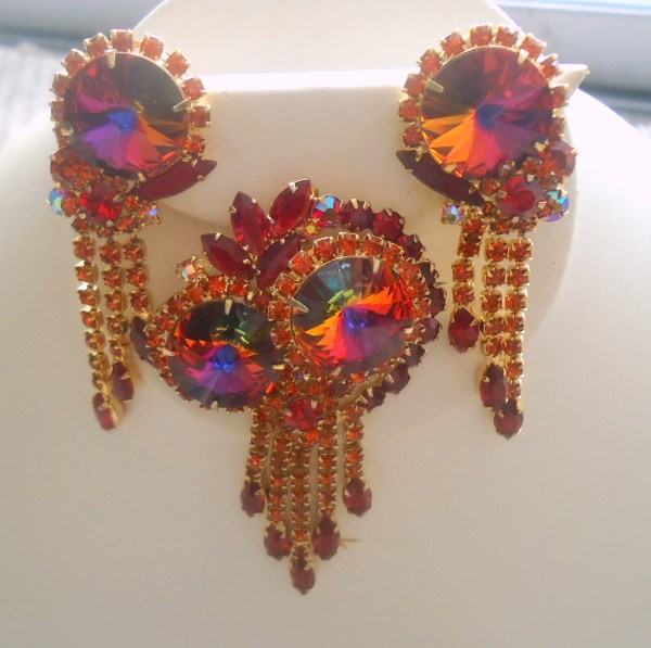 DeLizza and Elster a/k/a Juliana Red Rivoli Dangle Tiered Brooch Pendant and Earring Demi Parure HARD TO FIND