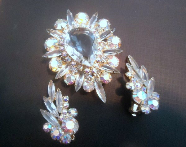 DeLizza and Elster a/k/a Juliana Tiered Clear Glass Teardrop Brooch Pendant and Climber Earring Demi Parure