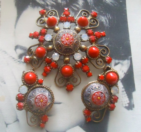 DeLizza and Elster a/k/a Juliana Moroccan Matrix With Scroll Work Brooch and Earring Demi Parure