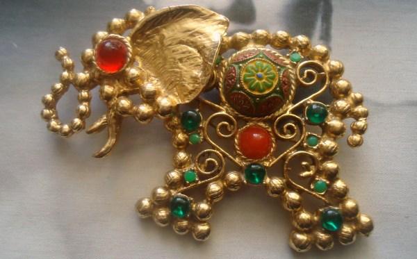 DeLizza and Elster a/k/a Juliana Ball Chain Design Moroccan Matrix Elephant Figural Brooch Pendant