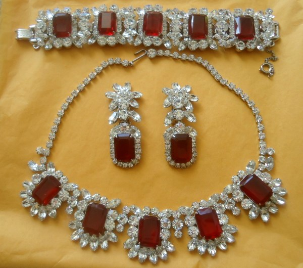 DeLizza and Elster a/k/a Juliana Rubinite Necklace Bracelet and Dangle Earring Parure INCREDIBLY RARE