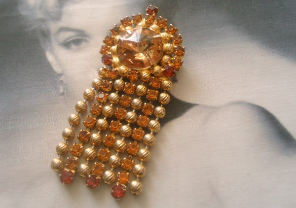 DeLizza and Elster a/k/a Juliana Honey Topaz Rivoli and Etched Ball Chain Dangle Brooch Pendant HARD TO FIND