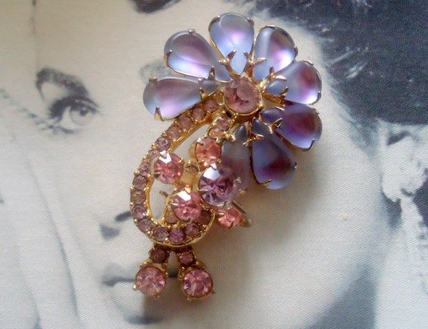 DeLizza and Elster a/k/a Juliana Dimensional Frosted Lavender and Pink Open Back Sabrina art glass a/k/a Givre flower figural brooch RARE