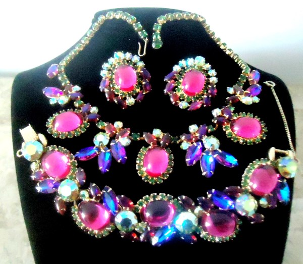 DeLizza and Elster a/k/a Juliana Fuchsia Domed Glass Cabochon Heliotrope Navette Siam Aurora Borealis Necklace Bracelet & Earrings VERY RARE