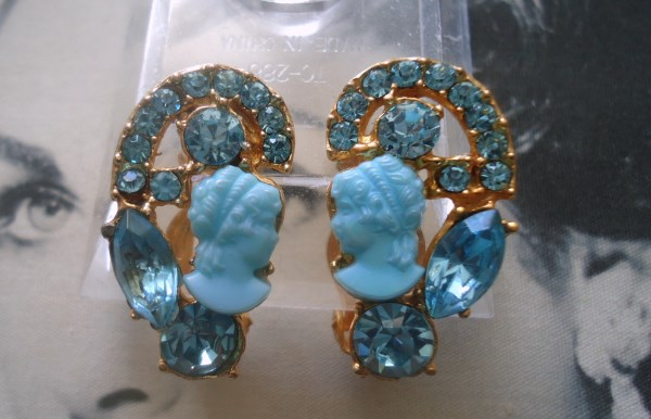 DeLizza and Elster a/k/a Juliana Majestic Aqua Blue Cameo and Teal Earrings