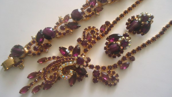 DeLizza and Elster a/k/a Juliana Amethyst White Chalk Striped Stone (Givre) Tiered Necklace. Bracelet and Earring Parure