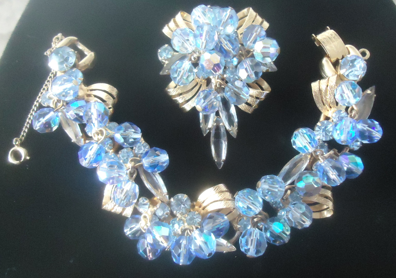 DeLizza and Elster a/k/a Juliana Furled Ribbon Finding Brilliant Blue Cha Cha Dangle Bead Brooch Pendant and Bracelet (Bracelet is rare)