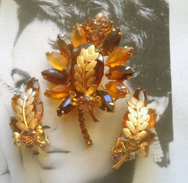 DeLizza and Elster a/k/a Juliana Topaz Brooch and Climber Earring Demi Parure with Palm Leaf and Furled Ribbon Metal Findings