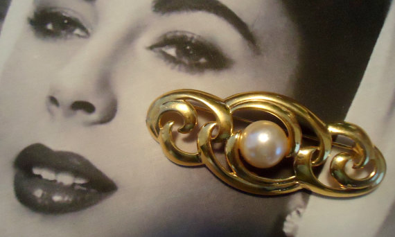 Napier Signed Faux Pearl Bar Brooch